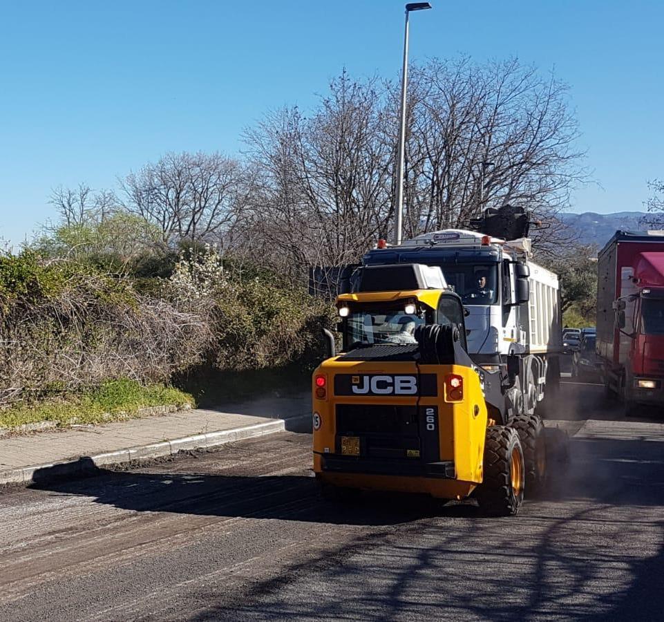 Partiti ufficialmente i lavori di bitumazione dell'intero asse stradale principale