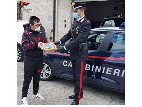 Scuole chiuse per il coronavirus: a Cosenza e Rende i tablet arrivano con i Carabinieri
