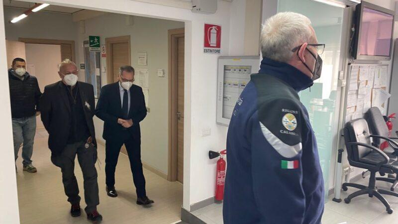 Assessore De Caprio in visita al Multirischi: potenziare Arpacal