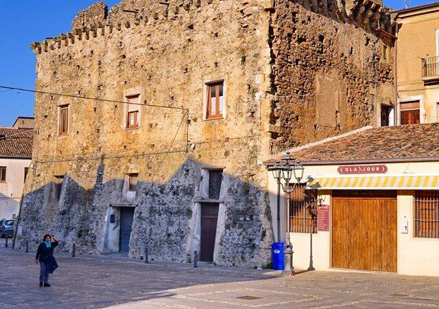 Terranova da Sibari e la Calabria ieri protagonista come borgo italiano su Radio Kiss Kiss
