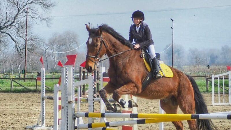 Il piccolo Nicolò Milieni continua la sua 'corsa' a cavallo