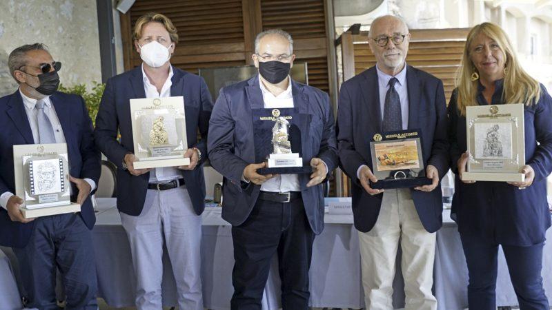 Michele Affidato realizza i premi per il Taormina Film Fest
