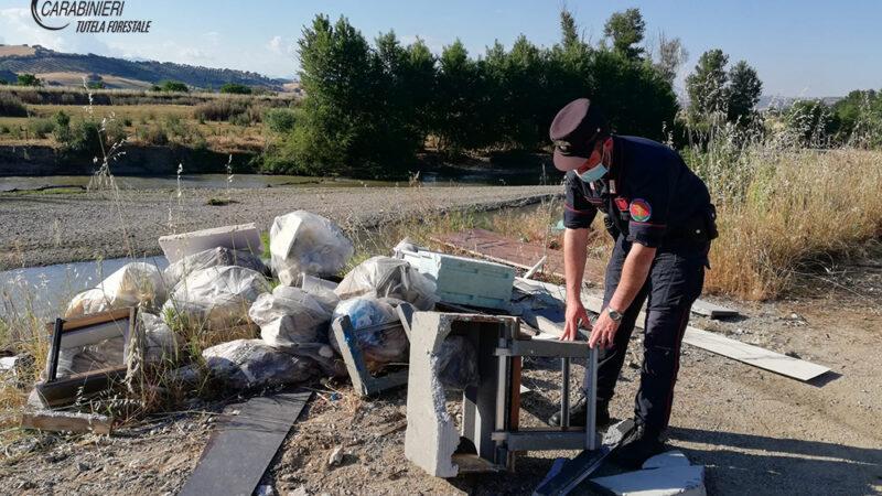 Bisignano: abbandono di rifiuti, denunciato rappresentante legale di una azienda del luogo